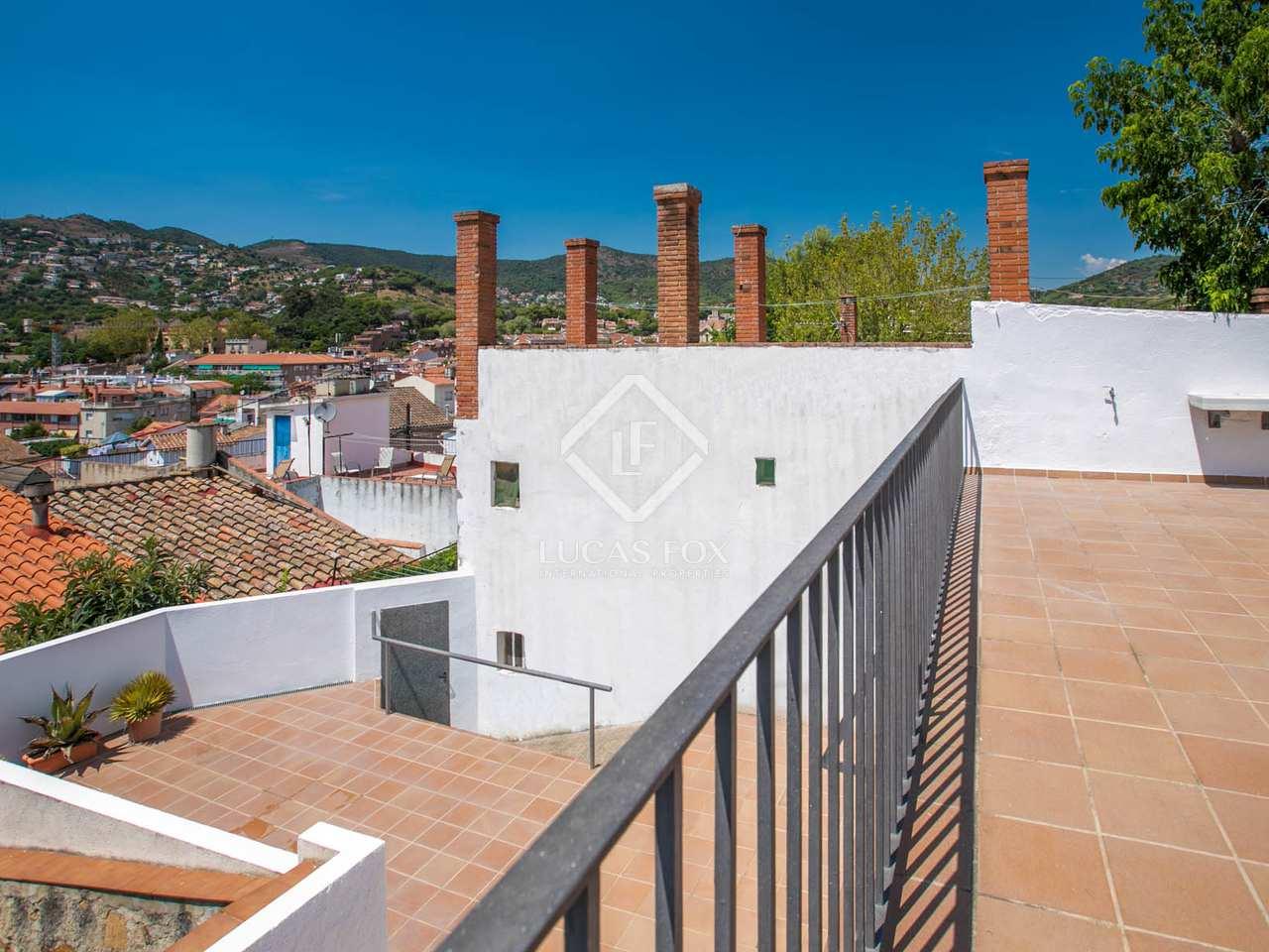 Maison villa de 310m a louer alella avec 150m de jardin for Location maison avec jardin 34