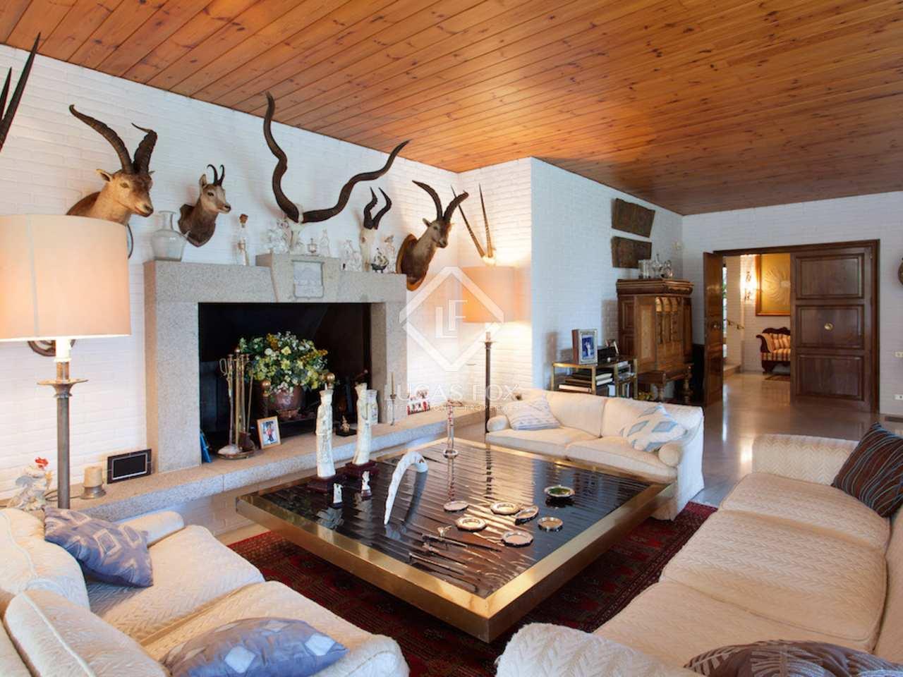 Villa traditionnelle en vente argentona en espagne for Villa traditionnelle
