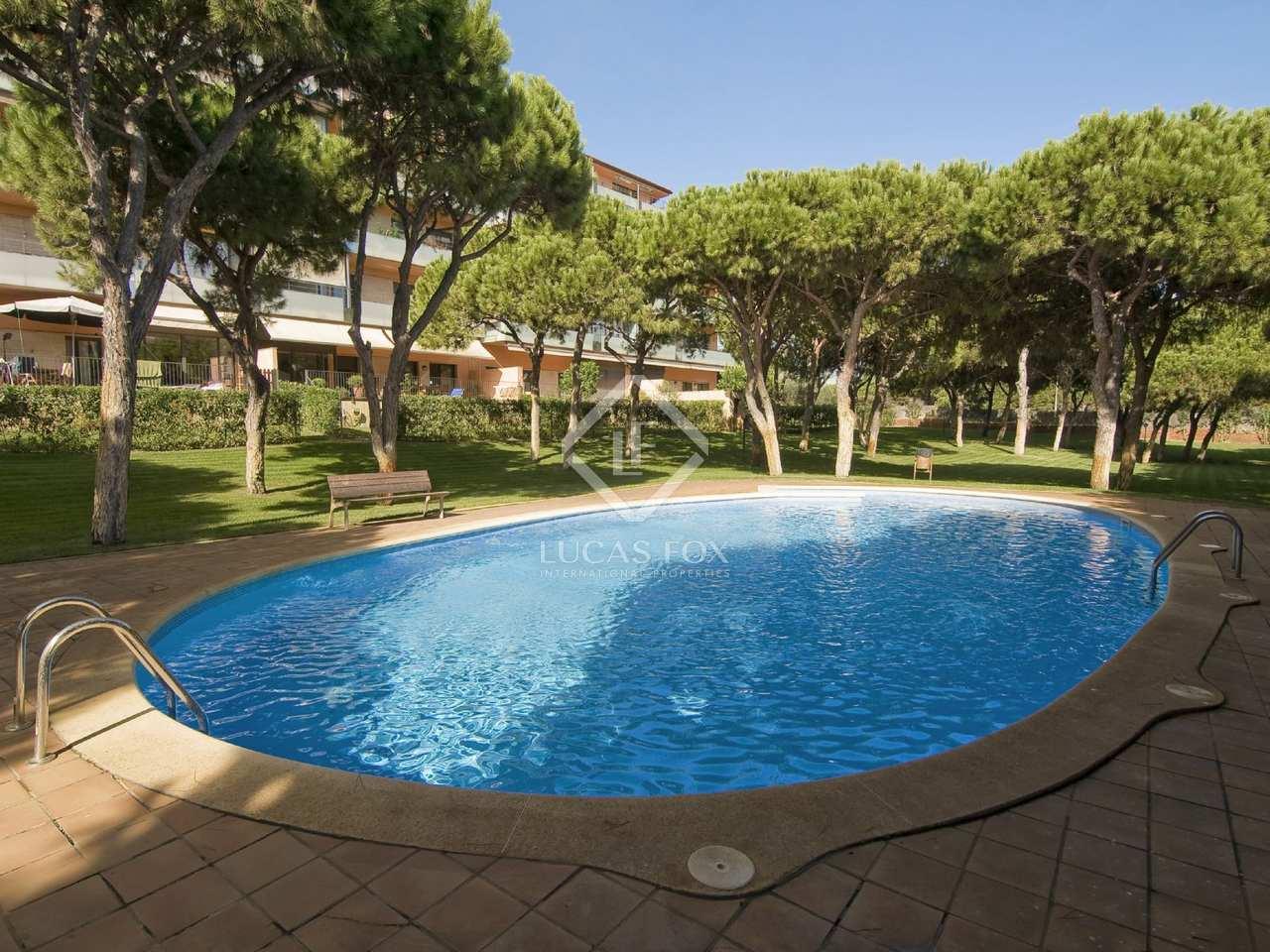 Moderno apartamento en venta en gav mar castelldefels for Piscina gava