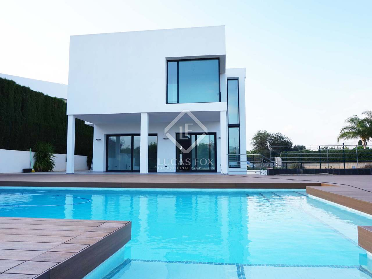Minimalist Golf Villa With 4 Bedrooms For Sale In B Tera