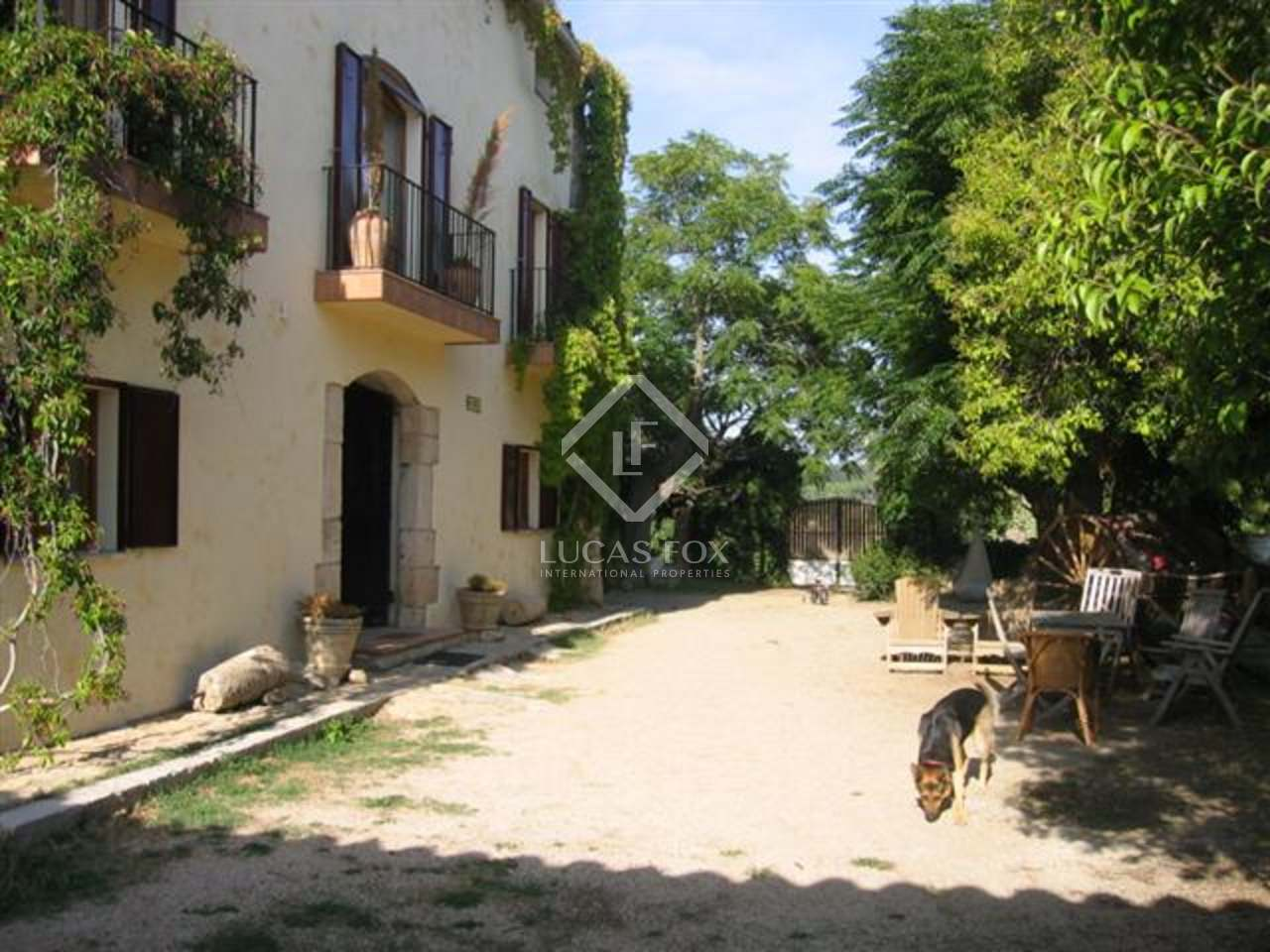Stunning masia for sale in Penedes area just behind Barcelona : 1