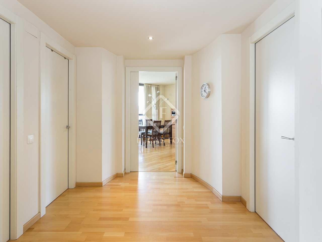 Apartamento de 136m con terraza en alquiler en diagonal mar for Alquiler de dormitorios