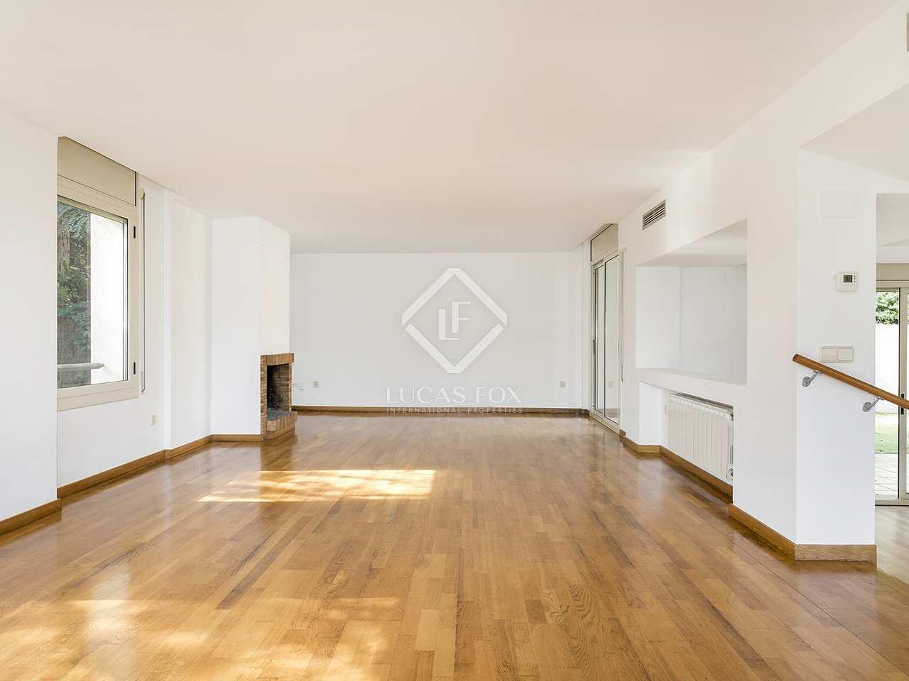 407m haus villa mit 625m garten zur miete in vallvidrera. Black Bedroom Furniture Sets. Home Design Ideas