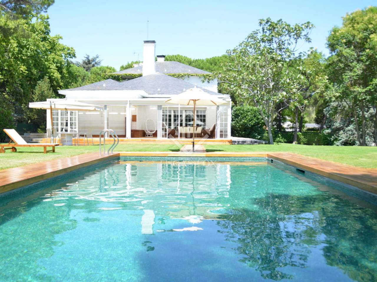 Luxury house for rent in la florida madrid - Garden center madrid ...