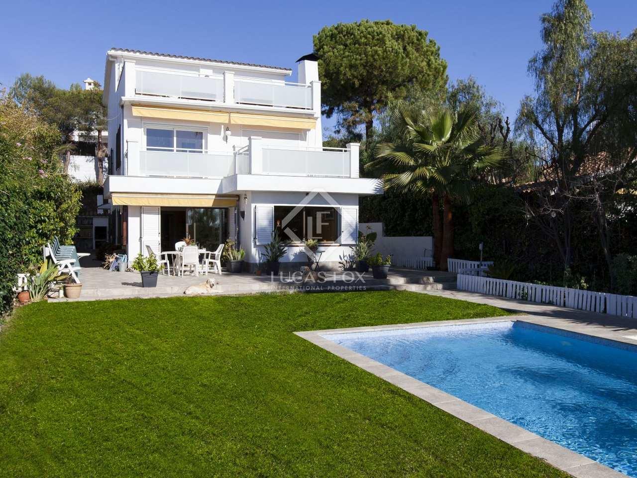 Maison / Villa de 350m² a vendre à Vallpineda avec 400m² ...