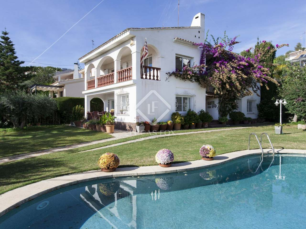 4 Bedroom House With Garden And Pool For Sale In Vallpineda