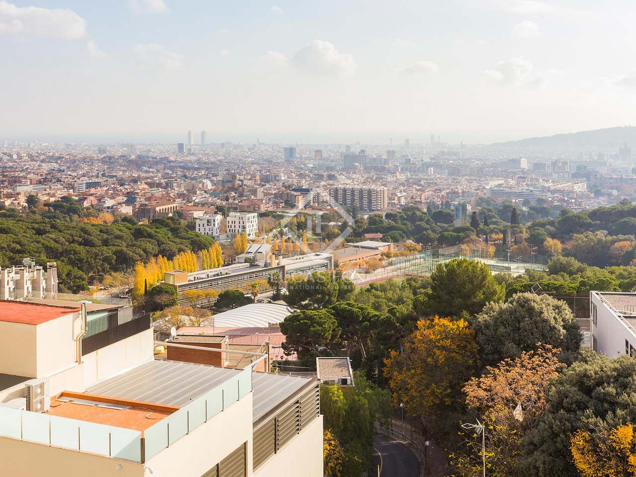House with impressive city views for sale in sarri - Zona alta barcelona ...