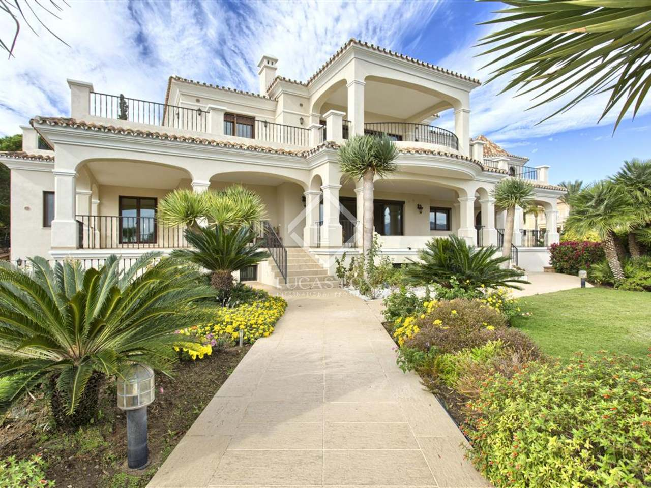 778m Villa With Garden And Pool For Sale In Benahav S