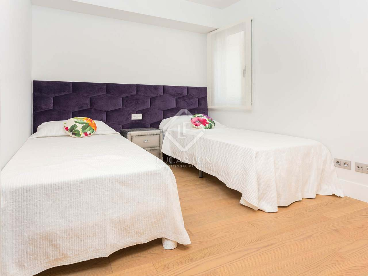Renovated 3 Bedroom Apartment For Sale In Barcelona Old Town