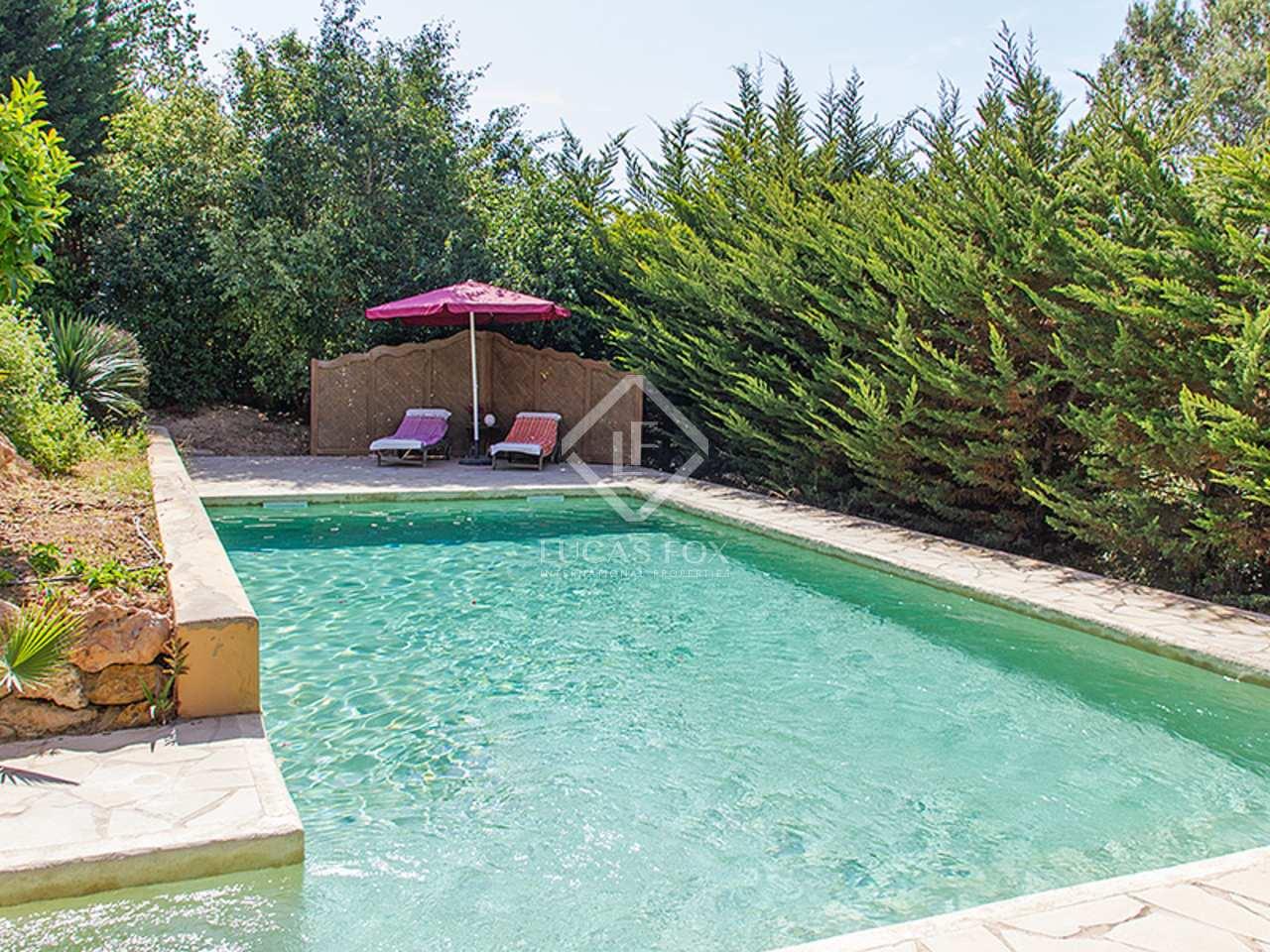 Villa toskanischen stils mit pool zum verkauf nahe ibiza stadt for Pool verkauf
