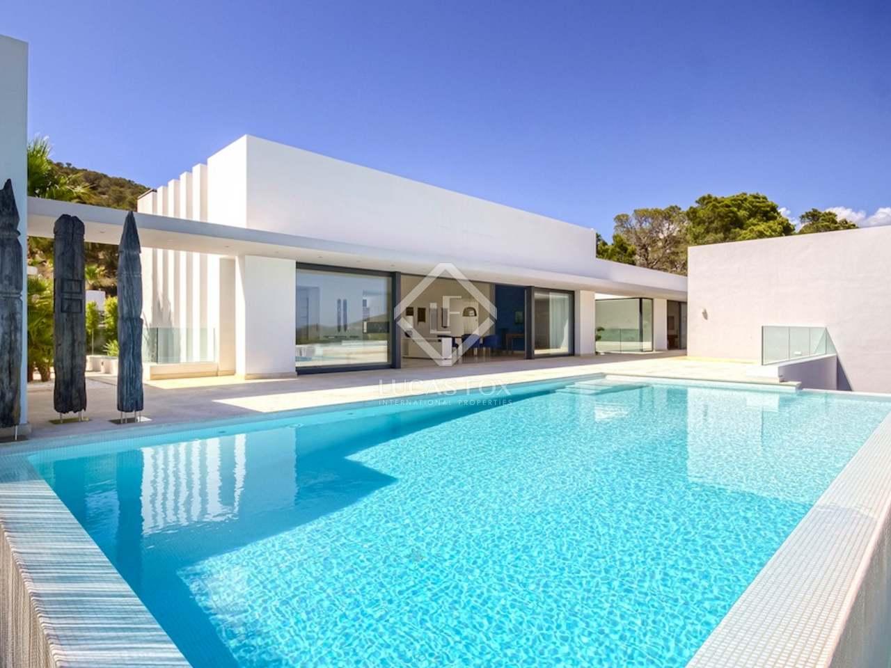 Villa de lujo de obra nueva en venta en vista alegre ibiza for Mansiones de lujo en madrid