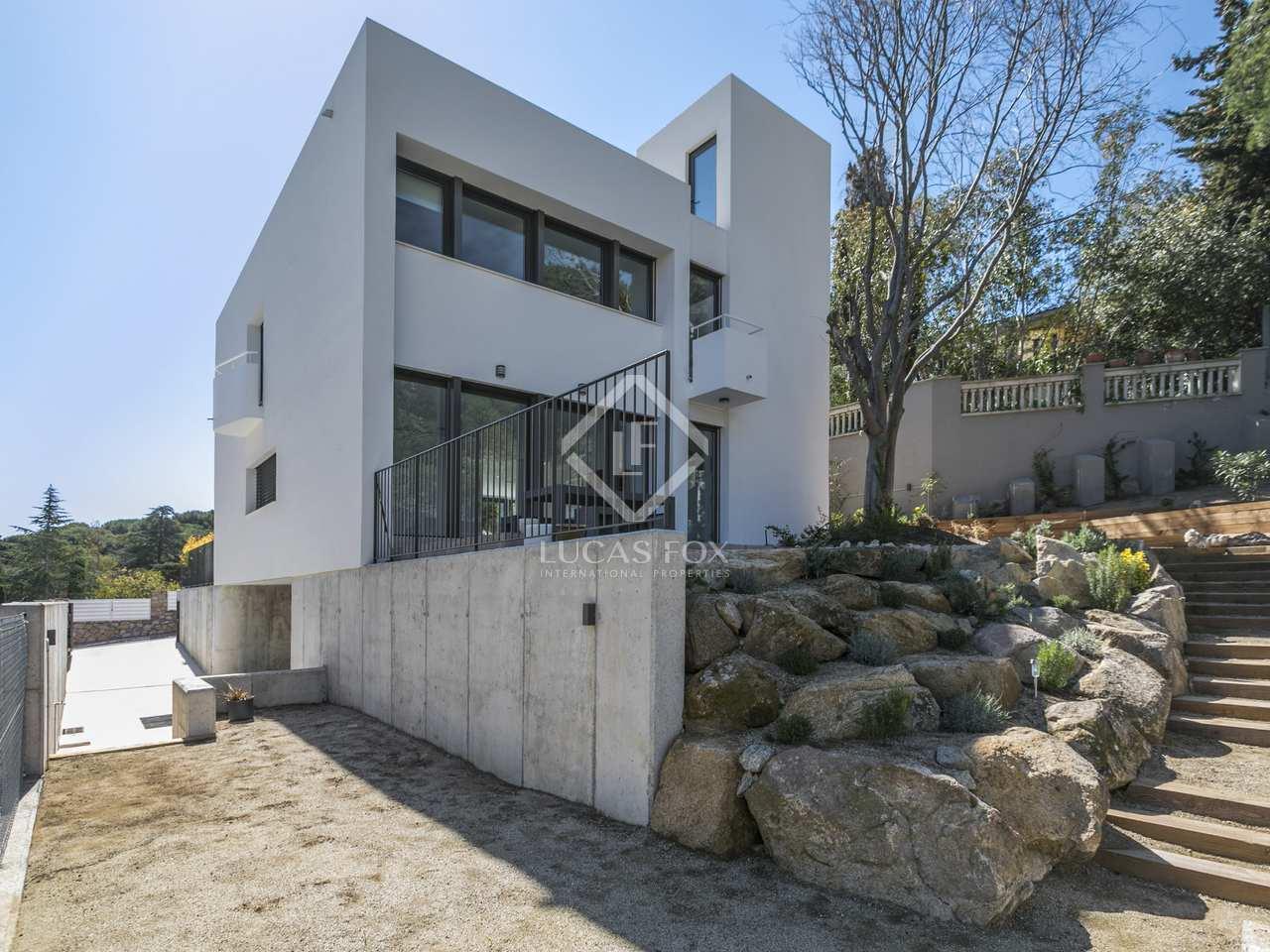 320m haus villa zur miete in alella maresme. Black Bedroom Furniture Sets. Home Design Ideas