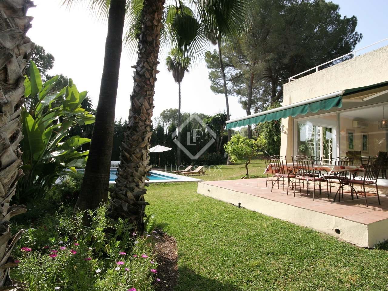 350m haus villa mit 1 150m garten zum verkauf in nueva andaluc a. Black Bedroom Furniture Sets. Home Design Ideas
