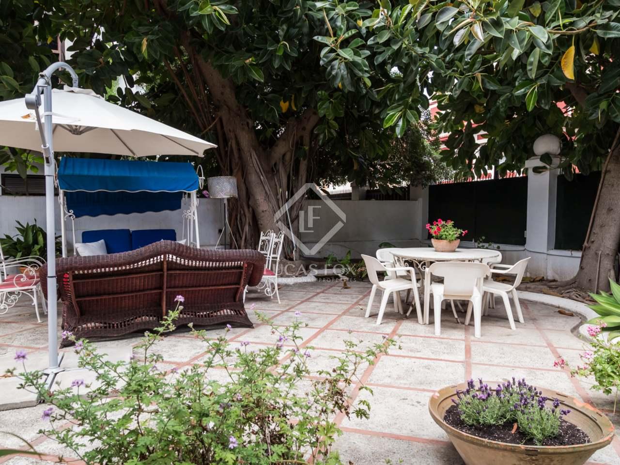 Villa hist rica con jard n y piscina en venta en valencia Villa jardin donde queda