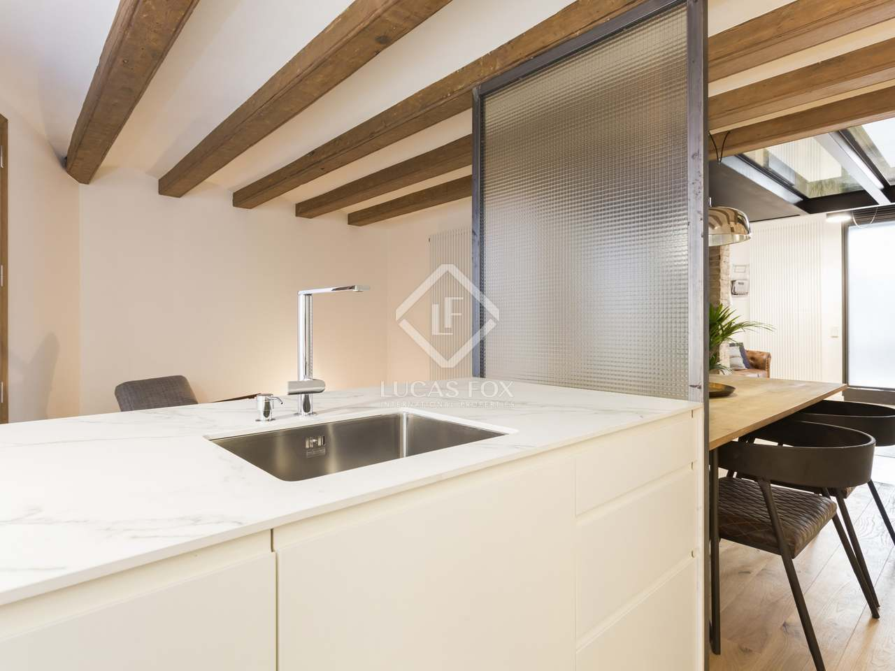 140m wohnung mit 13m terrasse zum verkauf in sant antoni. Black Bedroom Furniture Sets. Home Design Ideas