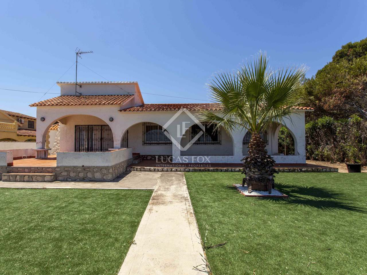 Seafront Villa With A Large Plot For Sale In Denia