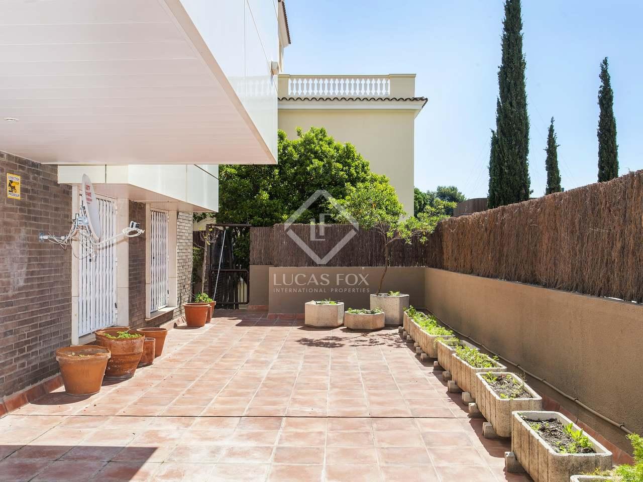 Apartamento con terraza y piscina en venta en esplugues for Terrazas 1280 a