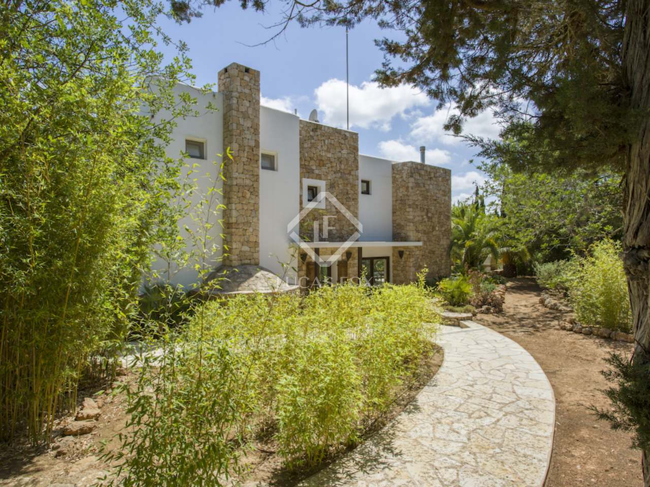300m haus villa zum verkauf in santa eulalia ibiza. Black Bedroom Furniture Sets. Home Design Ideas