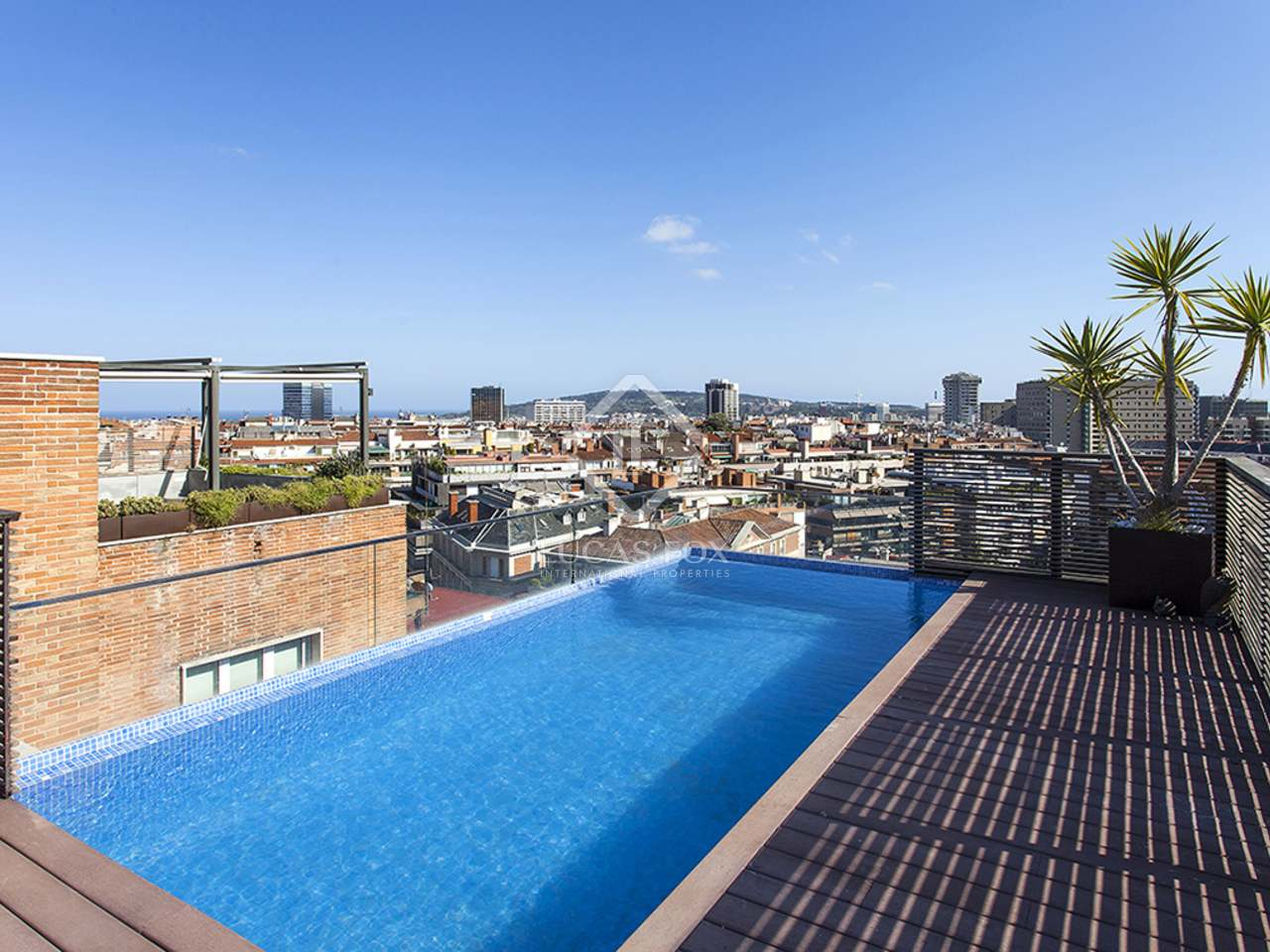 Tico con piscina privada en venta cerca de tur park for Aticos con piscina
