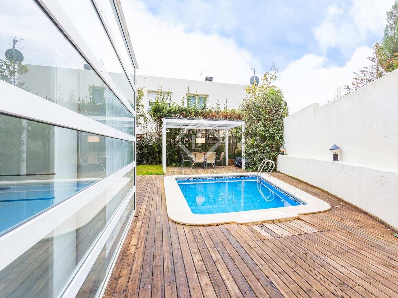Maison villa de 355m a vendre sarri avec 155m de jardin for Piscine w barcelone
