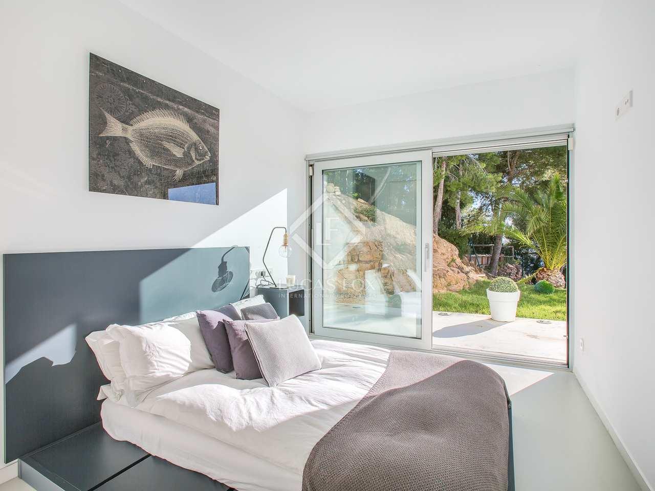4 bett costa brava designervilla zum verkauf nahe tamariu. Black Bedroom Furniture Sets. Home Design Ideas
