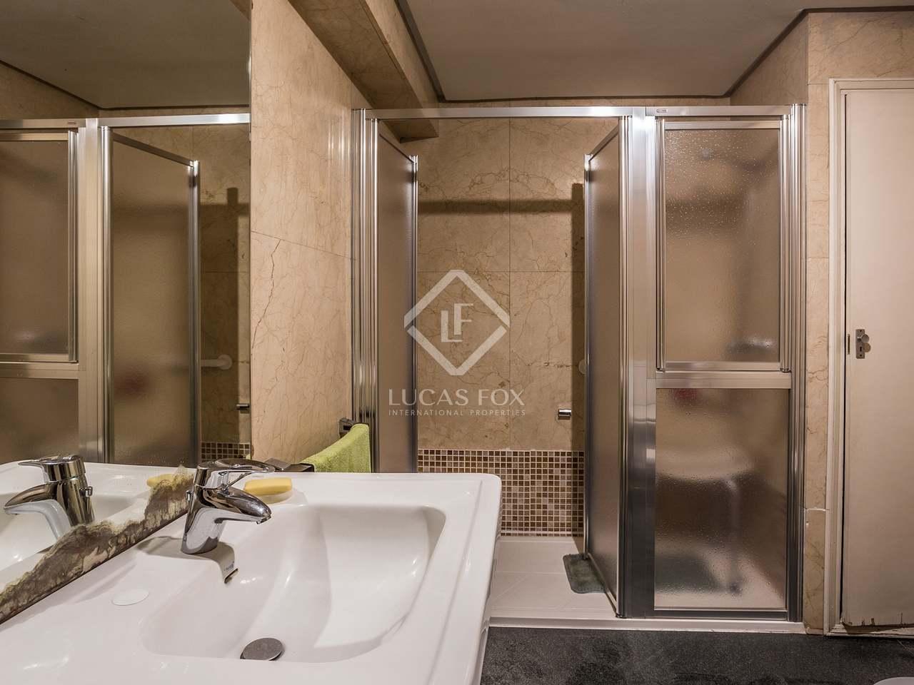 325 m apartment with 15 m terrace for sale in retiro for Bathrooms in retiro park