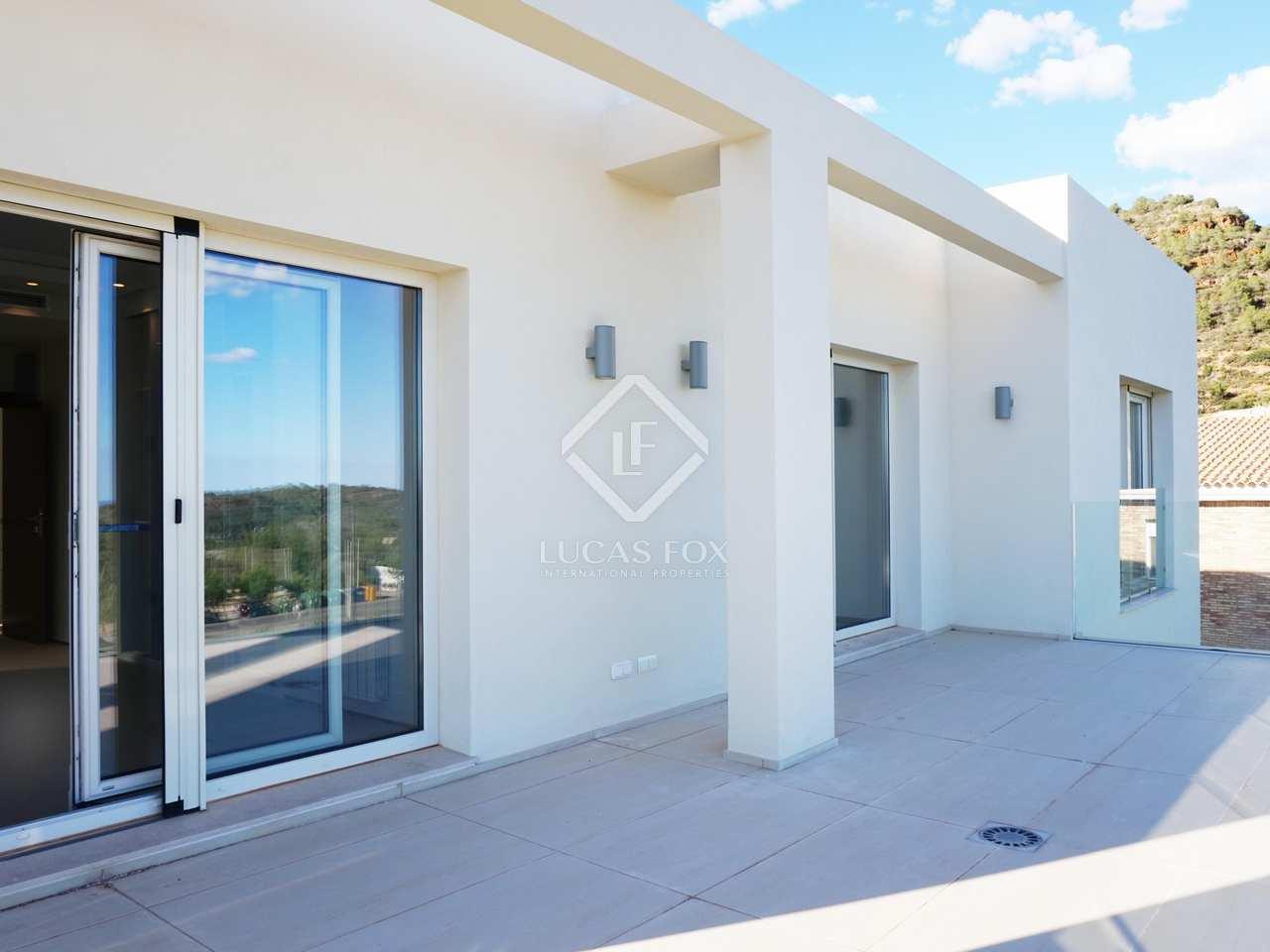 New villa for sale in los monasterios valencia for Villas valencia