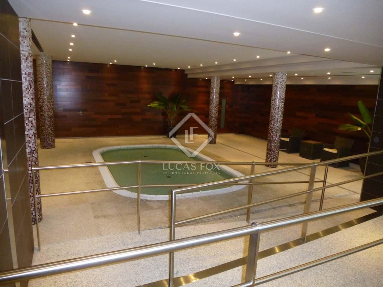 Appartement de luxe en vente escaldes andorre for Piscine andorre