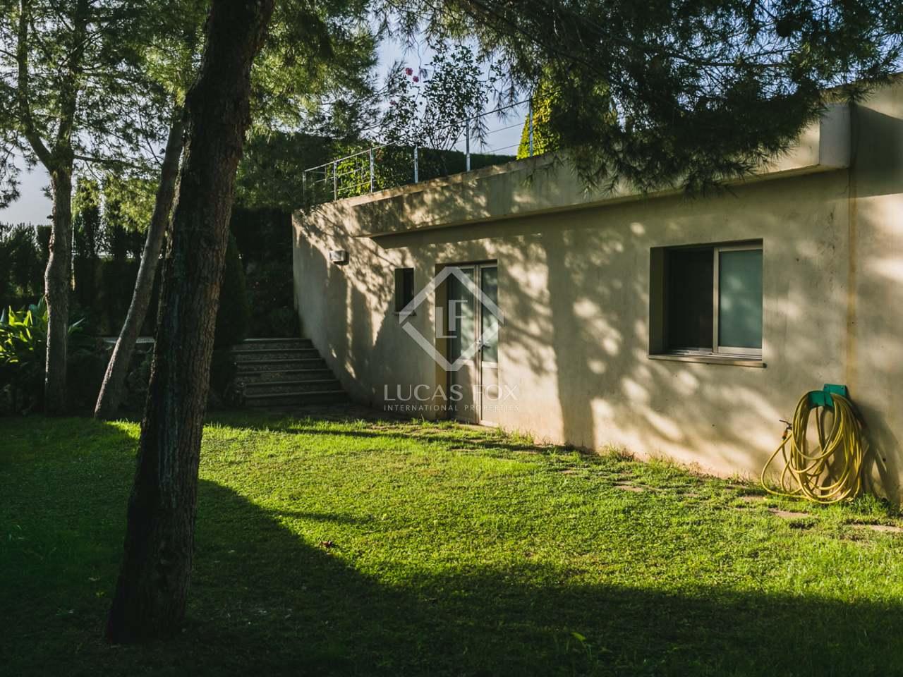Maison villa de 255m a vendre el bosque chiva avec for Jardin anglais caracteristiques