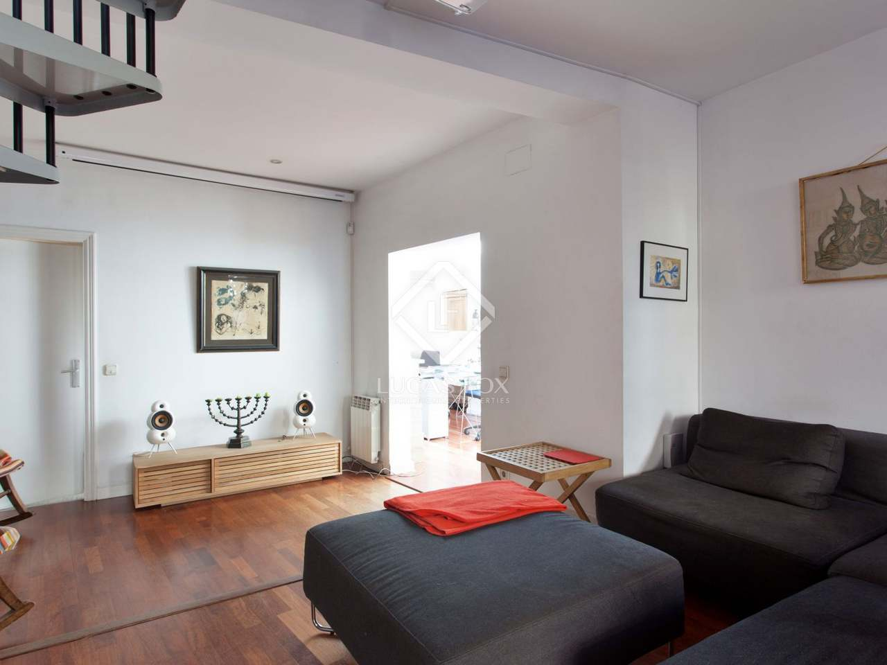 Penthouse apartment for sale in el born barcelona old town for Penthouse apartment for sale