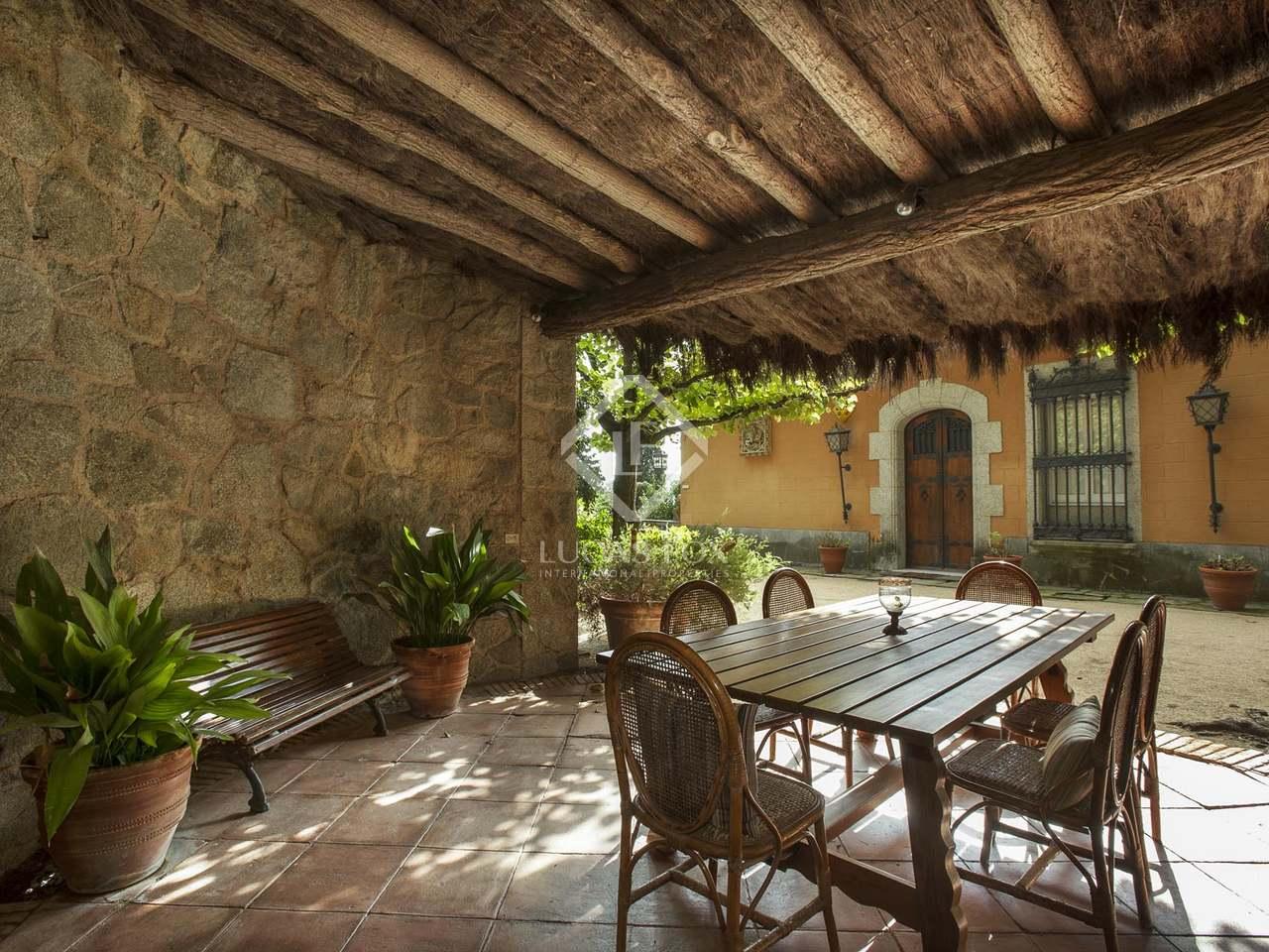 Hacienda de 1870 en venta en arenys de munt barcelona for Oficinas de hacienda en barcelona