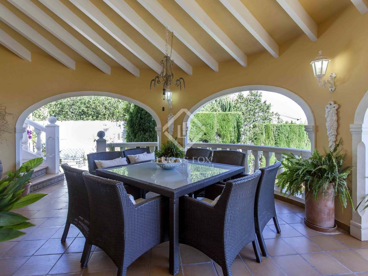 166m haus villa mit 77m terrasse zum verkauf in d nia. Black Bedroom Furniture Sets. Home Design Ideas