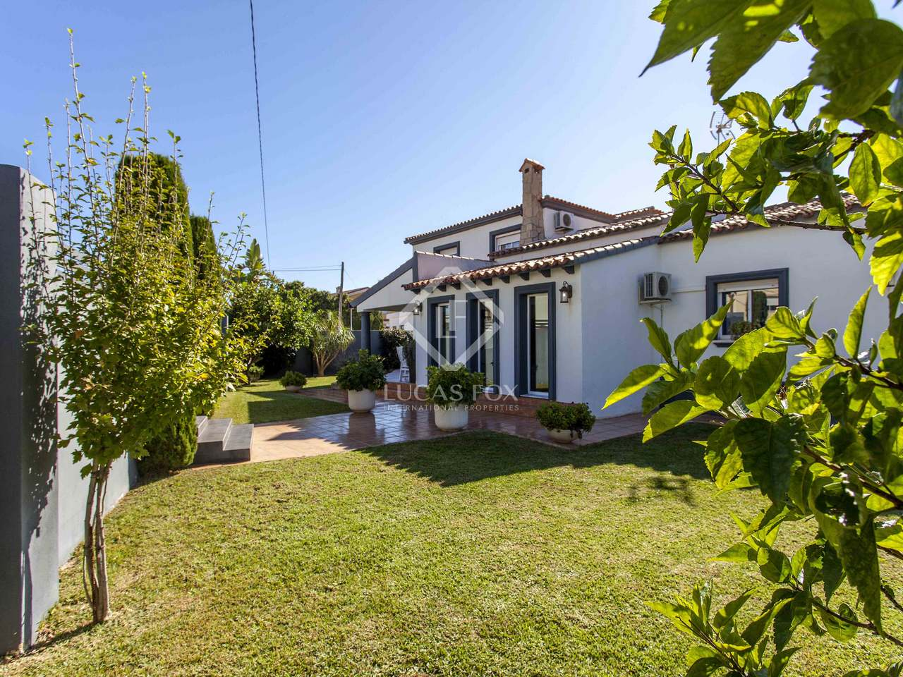 240m Villa With A Garden For Sale In D Nia Costa Blanca