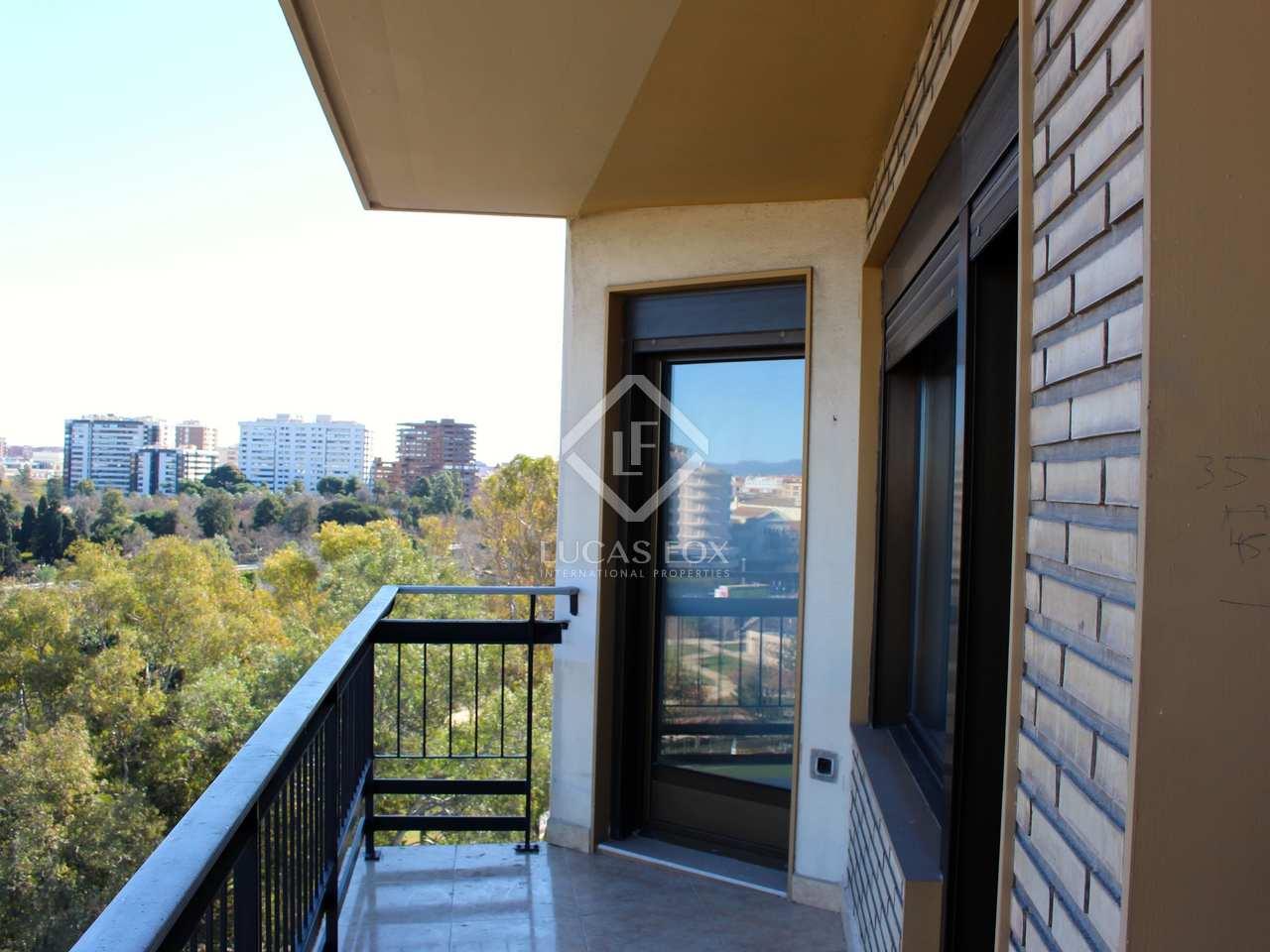 Piso de 78m con terraza de 8m en alquiler en la seu for Alquiler piso terraza valencia