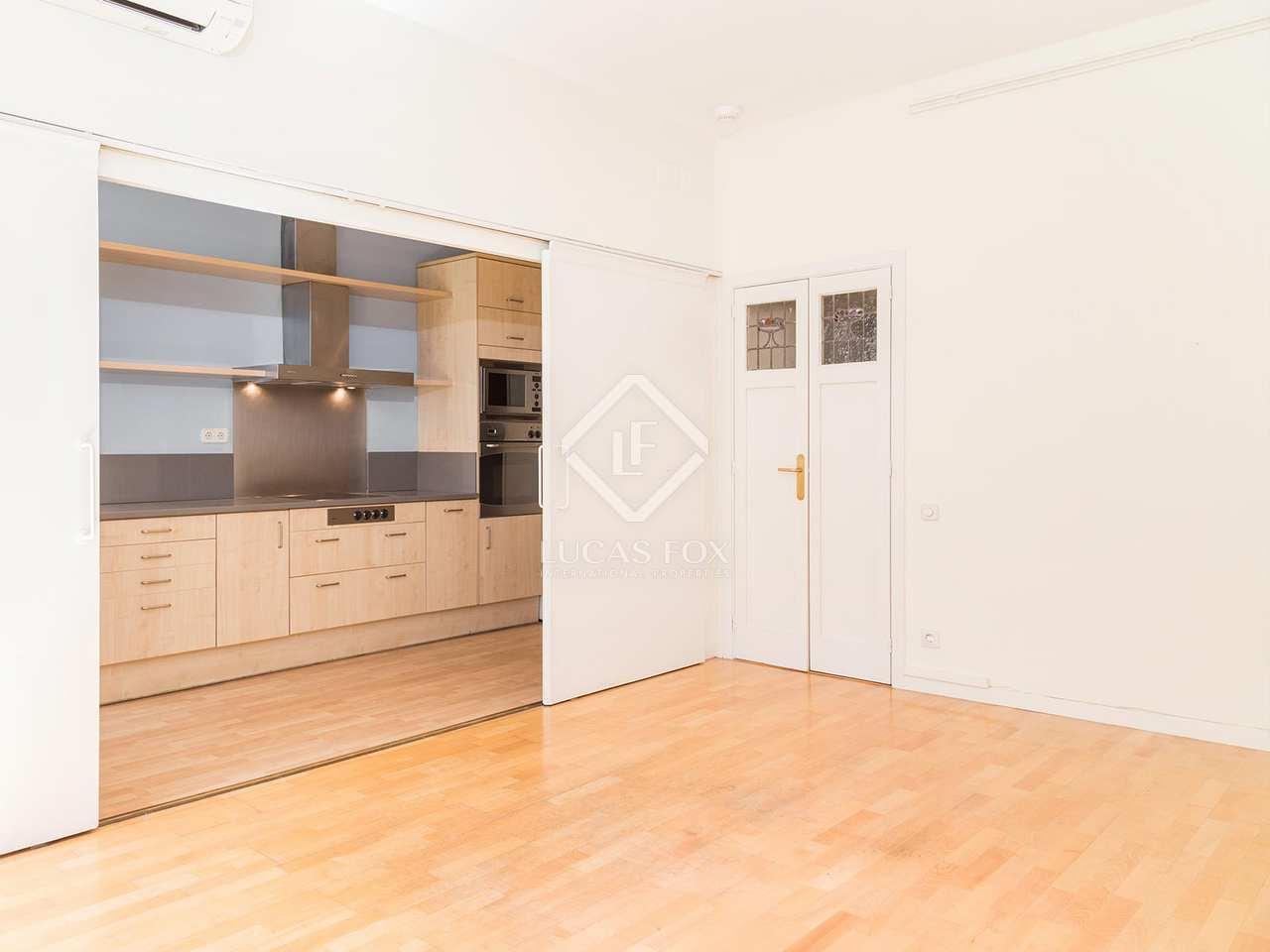 Casa con un jard n en alquiler en sarri en la zona alta for Casa alquiler barcelona jardin