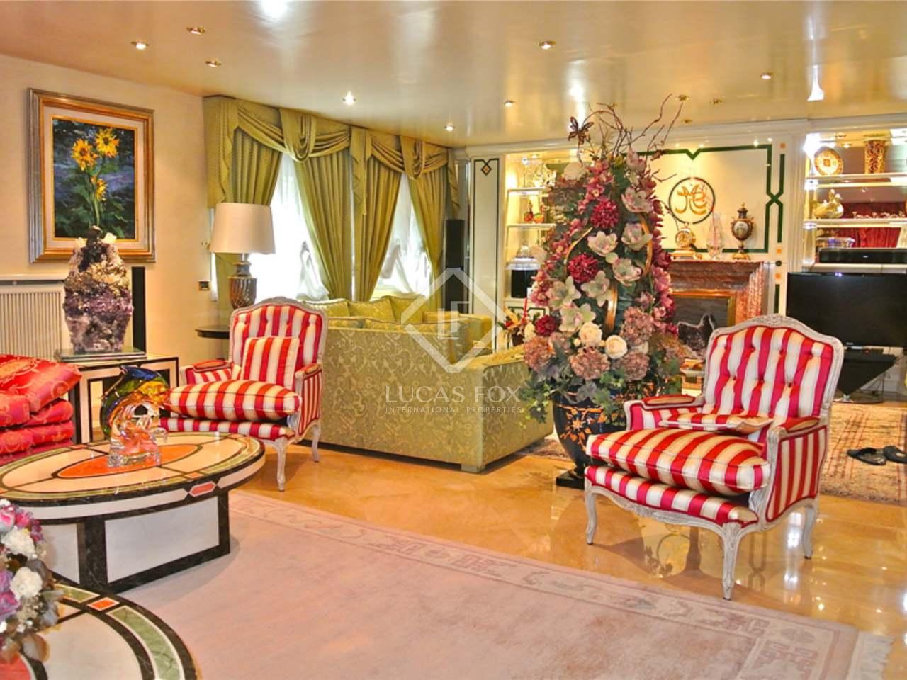 Maison villa de 907m a vendre andorra la vella avec for Jardin anglais caracteristiques