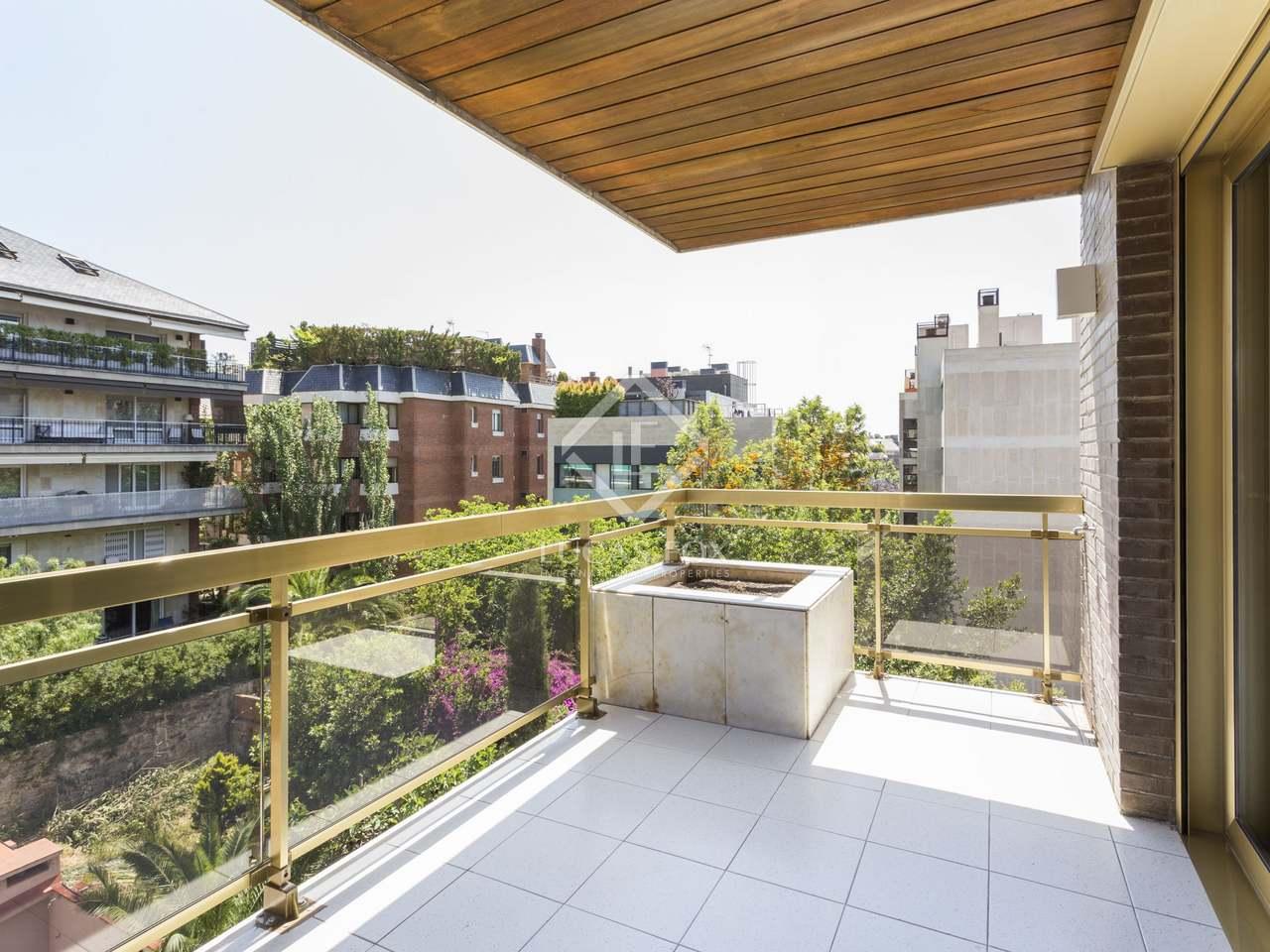 Appartement de 210m a vendre tres torres avec 38m terrasse for Piscine w barcelone