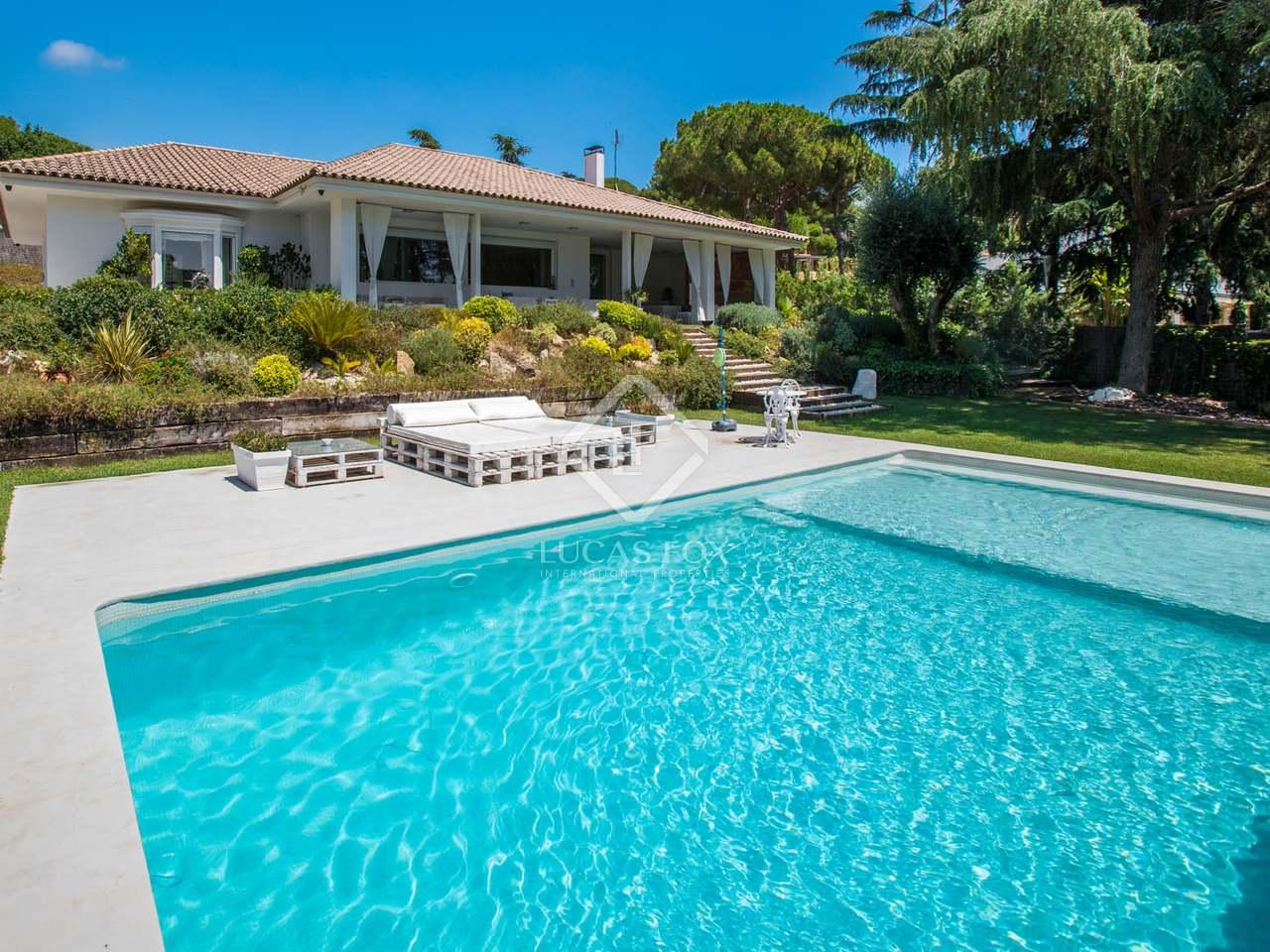 Villa de 511 m en venta en sant andreu de llavaneres for Piscina sant andreu