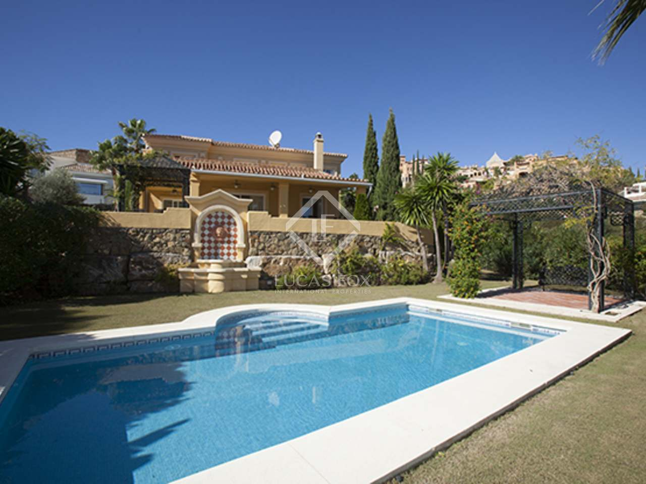 Casa familiar en venta en nueva andaluc a marbella for Distrito ciudad jardin malaga