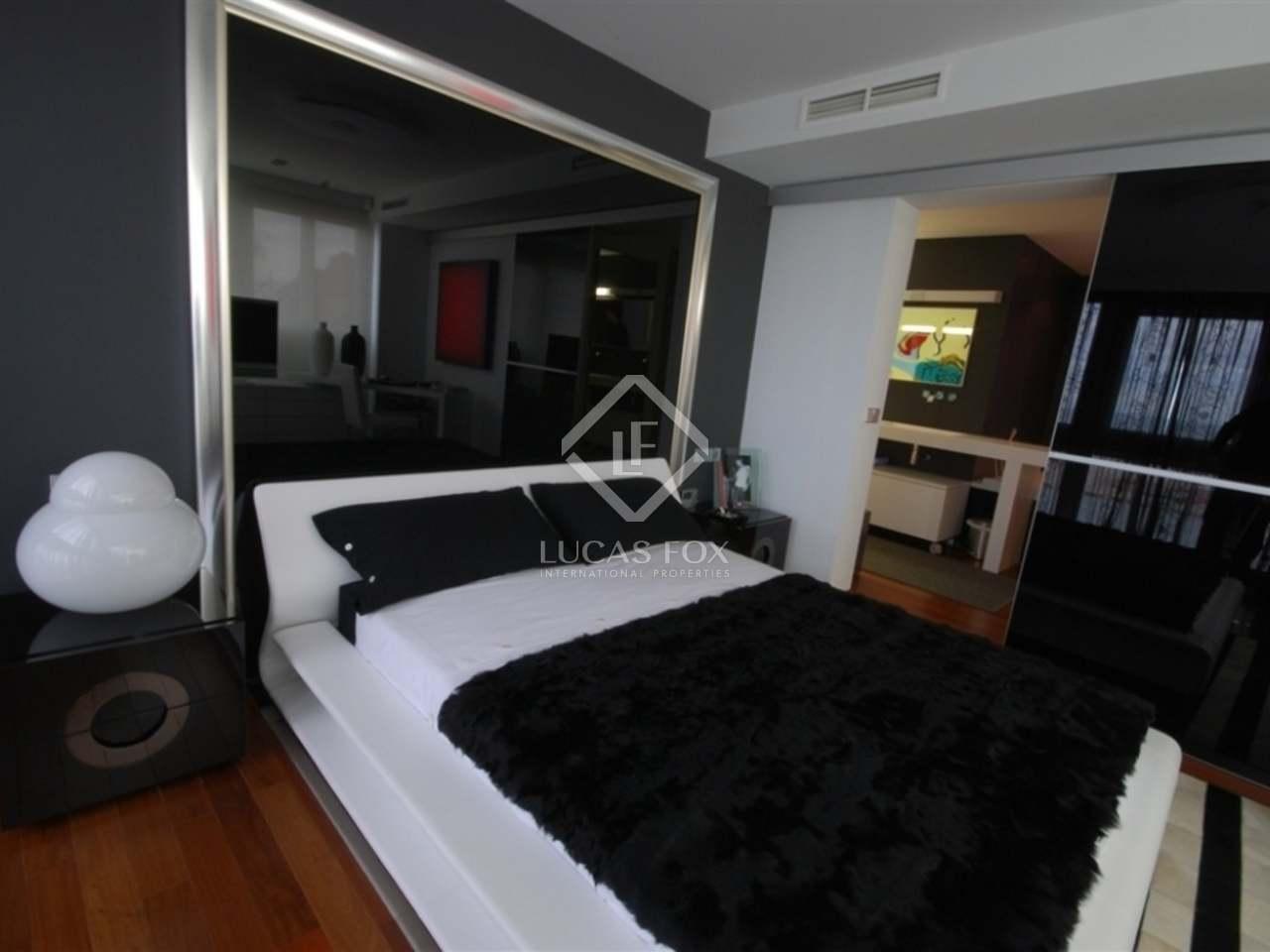 300m dachwohnung mit 30m terrasse zum verkauf in d nia. Black Bedroom Furniture Sets. Home Design Ideas