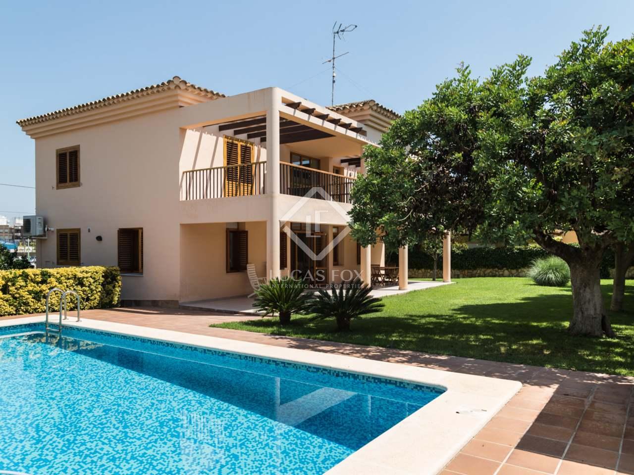 Preciosa villa con piscina en venta en la eliana valencia for Casa la villa