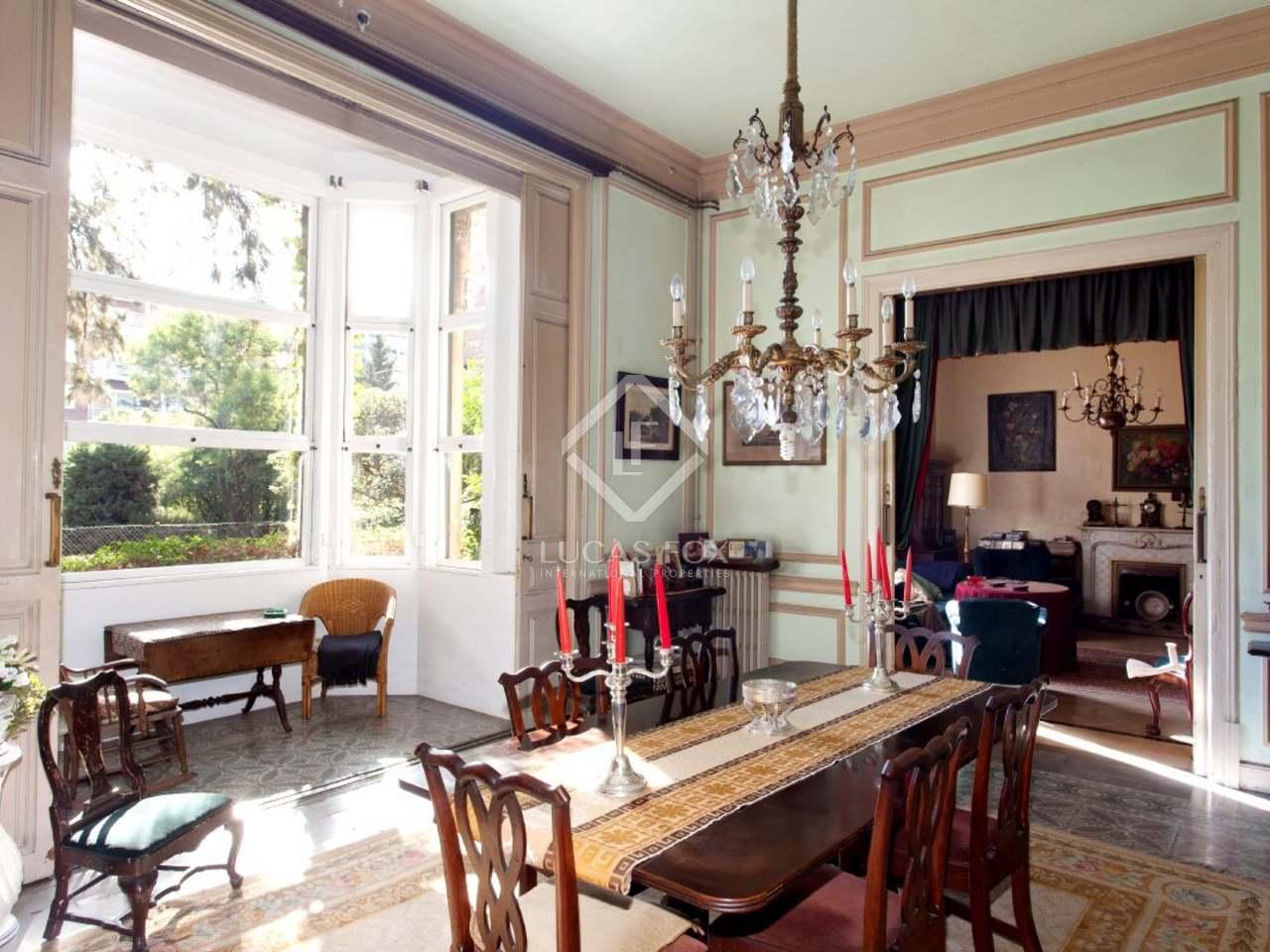 Maison de style anglais avec l ments modernistes en vente - Maison de style anglais ...