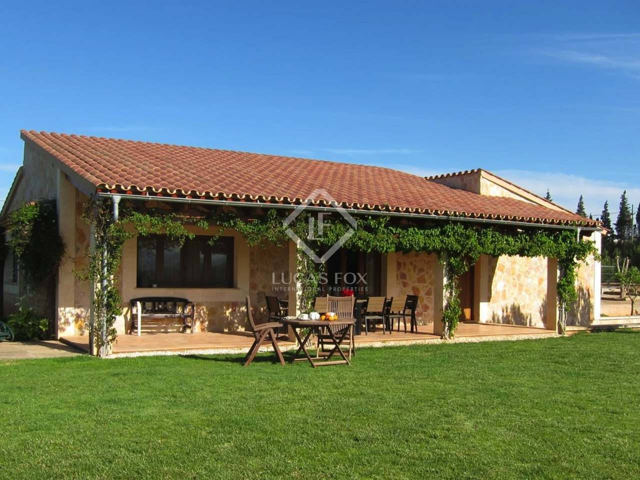 Casa rural en venta cerca de muro en el norte de mallorca for Cerrar valla jardin
