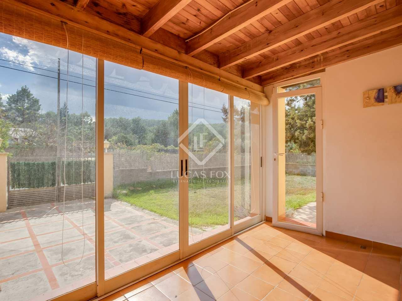 349m haus villa mit 15m terrasse zum verkauf in san. Black Bedroom Furniture Sets. Home Design Ideas
