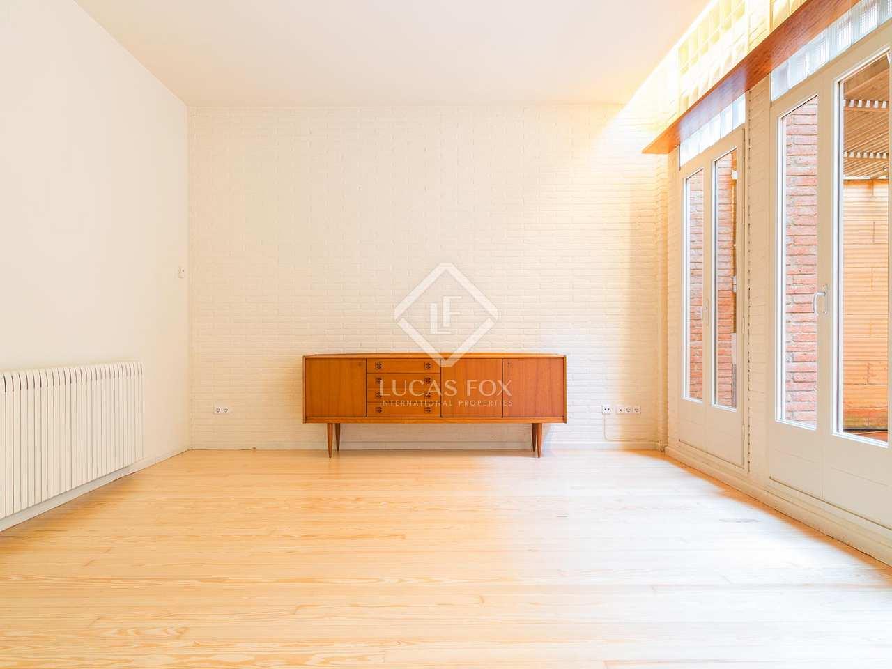 Casa con terraza en alquiler en gr cia barcelona for Casa alquiler barcelona jardin