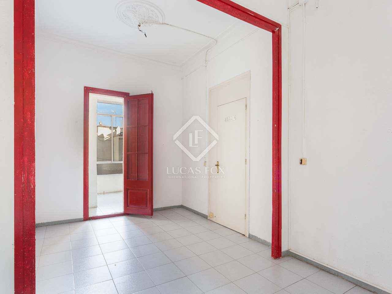 piso de 97m con balcones en venta en gr cia barcelona. Black Bedroom Furniture Sets. Home Design Ideas
