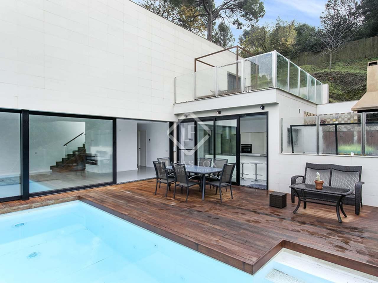 maison villa de 253m a louer vallvidrera barcelone. Black Bedroom Furniture Sets. Home Design Ideas