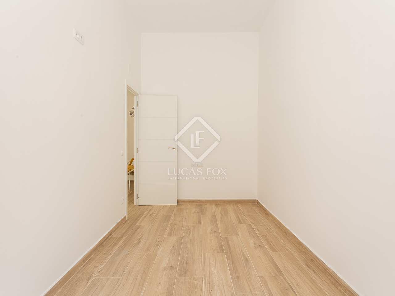 piso de 116 m en venta en sants barcelona. Black Bedroom Furniture Sets. Home Design Ideas