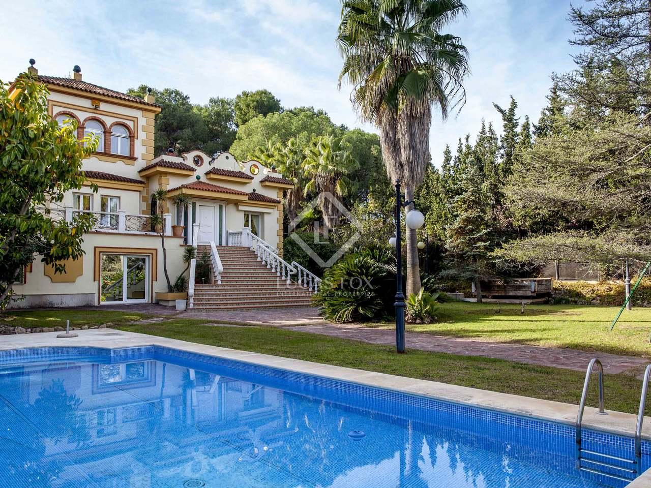 Luxury villa for rent in godella near valencia city for Villas valencia