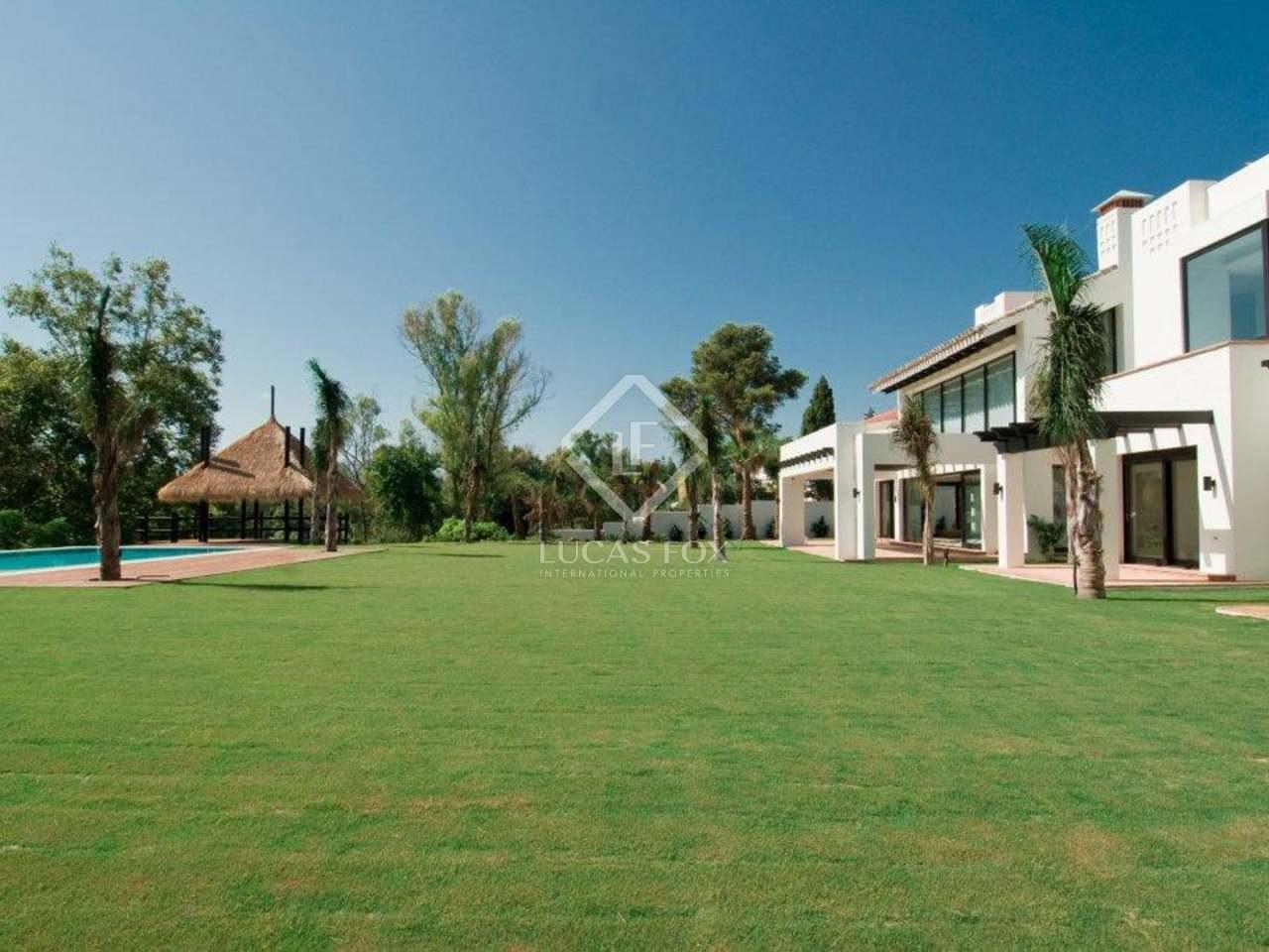 Villa de lujo contempor nea de 5 dormitorios en venta en for Villa jardin lanus oeste
